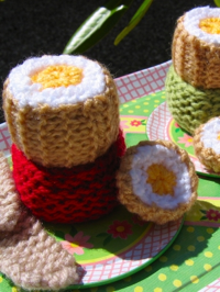 Handmade Knitted Toys from Jelly and Blancmange