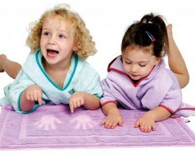 Cuddlemat Magic Colour Change Bathmat from Cuddledry