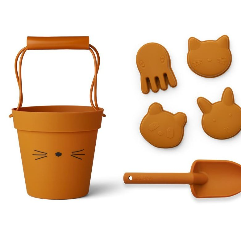 Silicone beach set, £40.49, Liewood