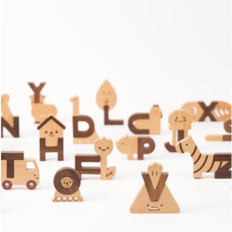 Oioiooi wooden alphabet